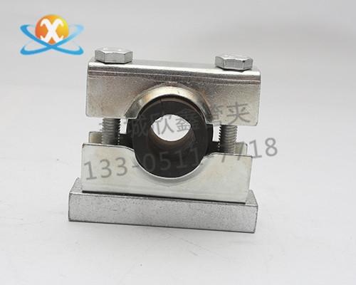 钢制防震管夹